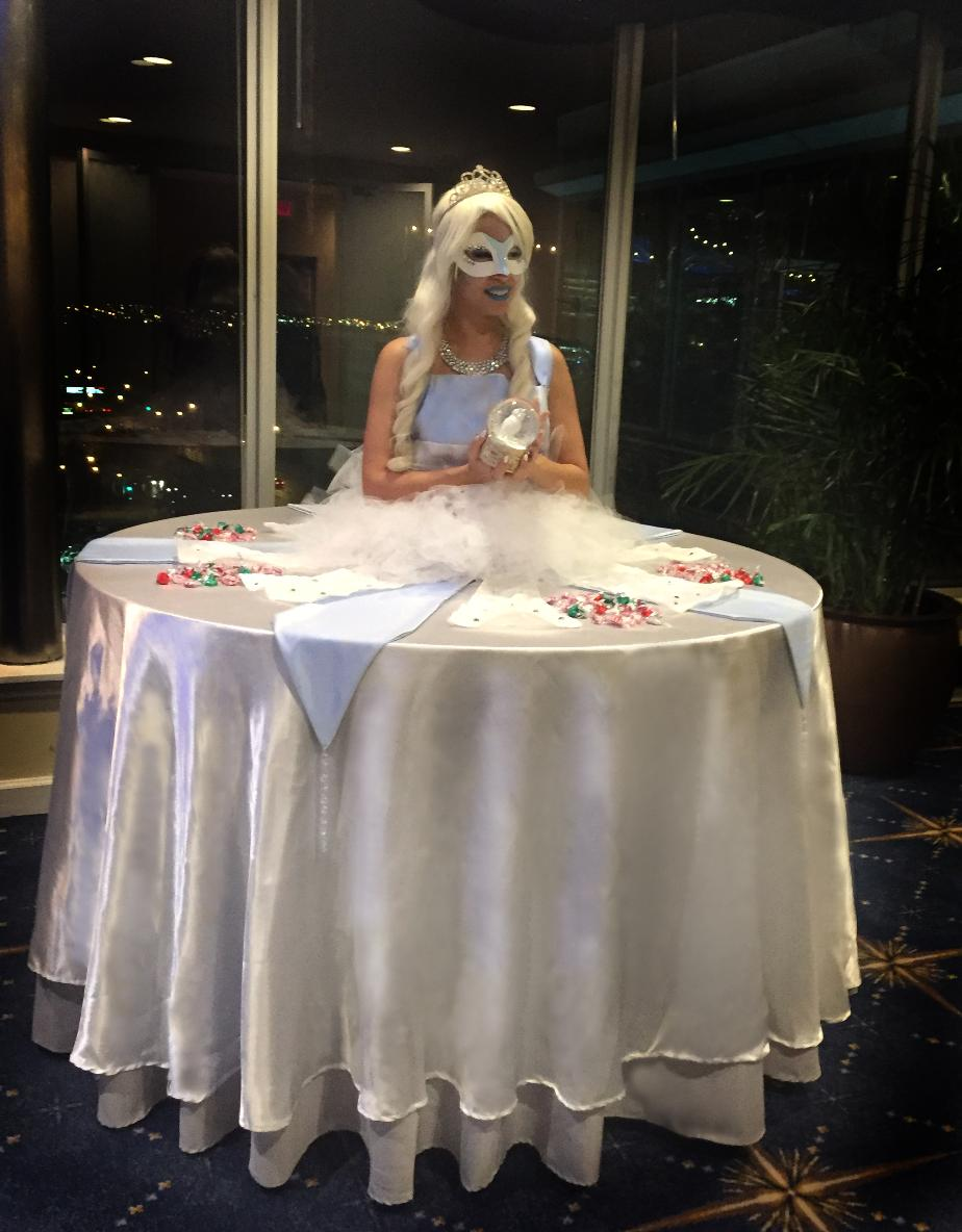 Snow Queen Strolling Table